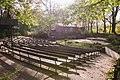Freilichtbühne Schloß Neuhaus (Zuschauerraum, Bühne und Vereinshaus).jpg