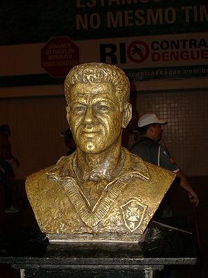 Garrincha - Bust of Garrincha at the Maracanã