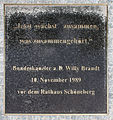 Gedenktafel Axel-Springer-Str 65 (Kreuz) Willy Brandt.jpg