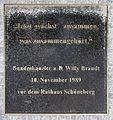 Gedenktafel Axel-Springer-Str 65 (Kreuz) Willy Brandt.jpg