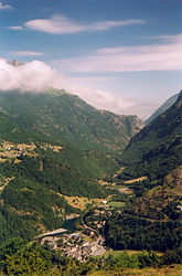 The village of Gèdre and the valley of the Gave de Gavarnie