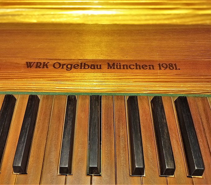 Datei:Geretsried-Gartenberg, Heilige Familie (WRK-Orgel) (11).jpg