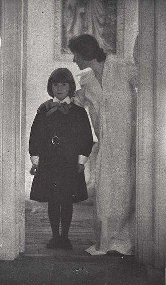 Photogravure - Blessed Art Thou Among Women by Gertrude Käsebier, 1899. Brooklyn Museum