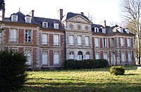 Giverville château front.jpg
