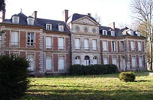 Giverville château front.jpg