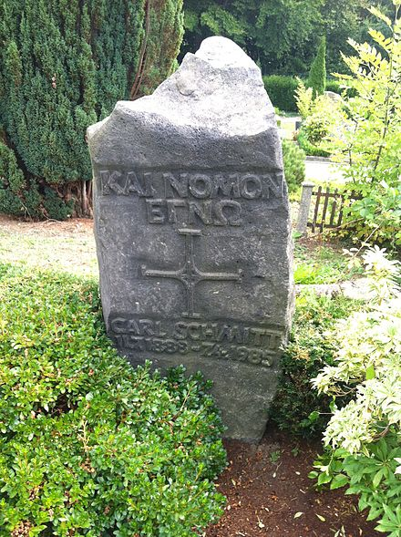 Tombstone of Carl Schmitt, Catholic cemetery, Plettenberg-Eiringhausen Grabstein Carl Schmitts.jpeg