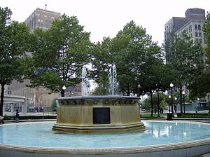 Grand Circus Park Historic District - Image: Grad Circus Parkfountain Detroit MI