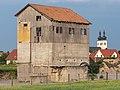 Grafenrheinfeld Schuppen Kirche 5190713.jpg