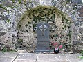 Grave of John Macleod of Macleod - geograph.org.uk - 507392.jpg