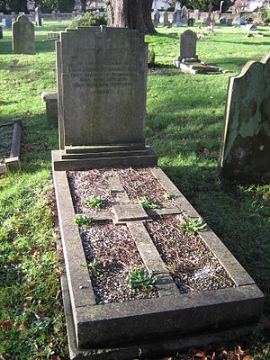 Cecil Chubb - The grave of Sir Cecil Chubb in the Devizes Road cemetery, Salisbury, UK