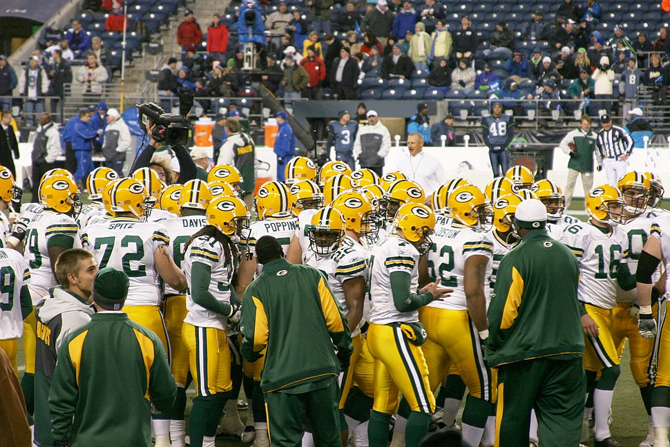 Green Bay Packers players pregame in 2006
