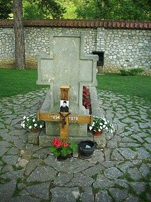 Ćelije Monastery - Image: Grob oca Justina Popovica