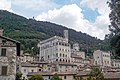 Gubbio ed il Monte Ingino.jpg