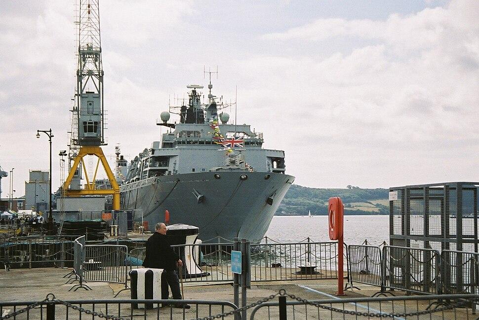 HMS Albion 2006