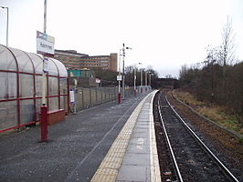Hairmyres railway station in 2006.jpg