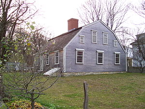 Cape Cod (house) - Harlow Old Fort House, an example of the rarer Gambrel-roofed Cape