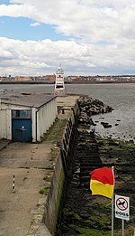 Hartlepool old pier Lighthouse. - geograph.org.uk - 496363.jpg