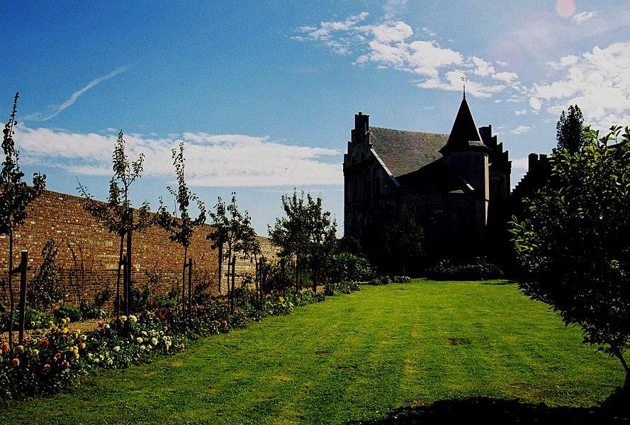 De tuinaanleg bij kasteel Hasselholt te Ohé en Laak.