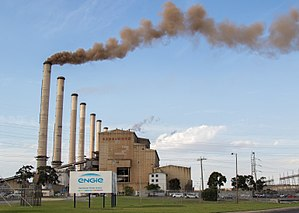 Hazelwood Power Station - Hazelwood shutting down Unit 1 for the last time on 29 March 2017. The thick plume of smoke is caused by a combination of the electrostatic precipitators switching off automatically during the shut down to eliminate the risk of them igniting, and what's left of the auxiliary fuel (briquettes) stored on site being fed into the boiler to empty their stores.