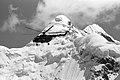 Helikopter Mi-8 mägede taustal 90.jpg