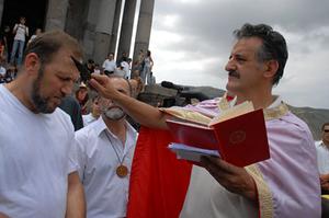 Armenian neopaganism - Stage of a knunk ritual.