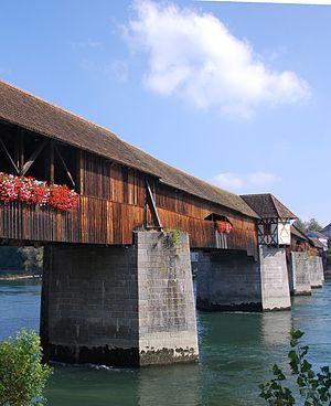 Holzbrücke über den Rhein