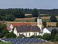 Holztraubach Pfarrkirche Sankt Laurentius Südansicht.jpg