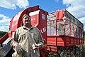 INTA - Productor algodonero y cosechadora Javiyú.jpg