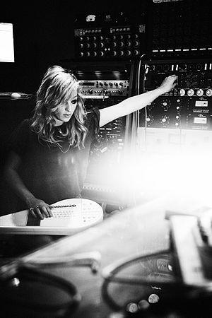 Dean Street Studios - Isabella Summers at Dean Street Studios (2010)