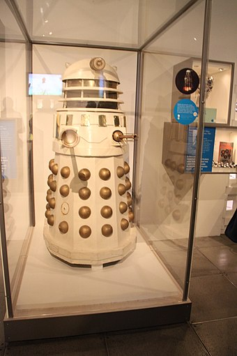 Dalek at the Icons of science fiction exhibit held at the Museum of Pop Culture, Seattle Icons of Science Fiction - Doctor Who, Dalek (15197698124).jpg