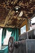 Innenleben einer alten Lokomotive.jpg