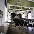 Interieur, overzicht van de aula met tongewelf en trekbalken - 's-Gravenhage - 20387487 - RCE.jpg