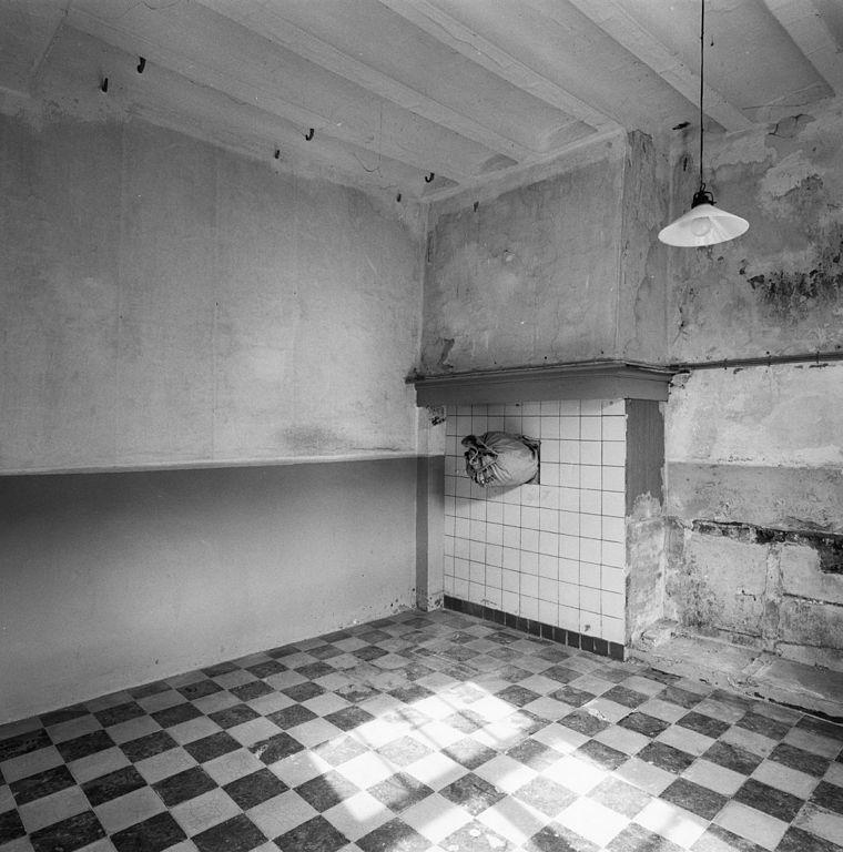 File interieur keuken voor rechts neeritter 20325461 wikimedia commons - Credenza voor keuken ...