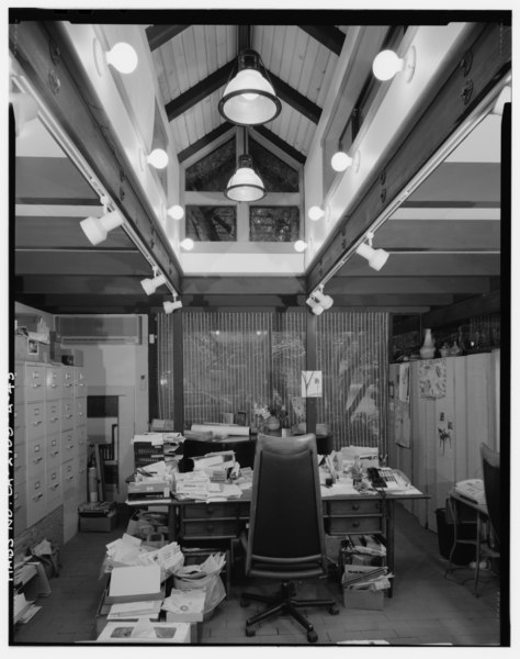 File:Interior main residence office detail view, facing north. - Sam and Alfreda Maloof Compound, Main Residence and Workshop, 9553 Highland Avenue, Rancho Cucamonga, San Bernardino HABS CAL,36-RANCU,3A-43.tif