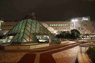 Izumi-Chūō Station (Miyagi) - Pedestrian walkway between Izumi-Chūō Station, bus terminal, and department stores