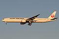 JAL B777-300(JA8943) (8397191042).jpg