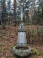 Kříž u kaple sv. Vojtěcha u Vrčeně.jpg
