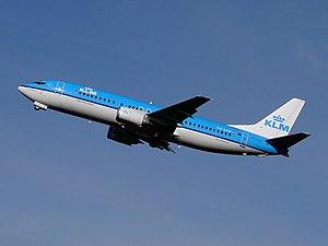 KLM Boeing 737-400 PH-BDW 2005.jpg