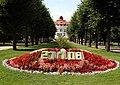 Karlsbad, Blumenbeet mit Datum IMG 6517.JPG