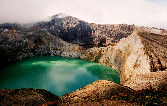 Exploring the Secret World of Uniquely Colored Lakes