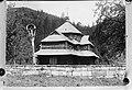 Kerk in de oostelijke Karpaten, gebouwd volgens de traditionele bouwwijze Repro, Bestanddeelnr 190-1006.jpg