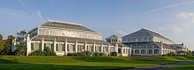 Kew Gardens Temperate House - Sept 2008.jpg
