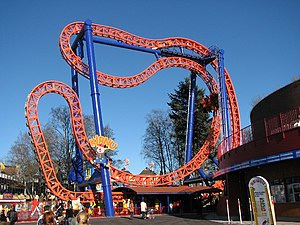 Intamin 4th Dimension Coaster: Kirnu, Linnamäki, Helsinki, Finlandia.