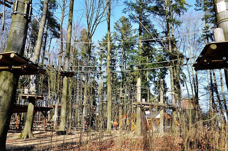 File:Klettergarten, Waldhochseilgarten Rutesheim