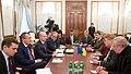 Klyuyev i delegatsiya Evroparlamenta.jpg