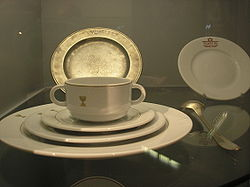 Kosher meat dishes in the Jüdisches Museum (Berlin)- 18th and early 20th century.