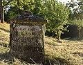 Kriegsgefangenen Grabstein Roscheiderhof H1a.jpg