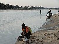 Kunda people on Luangwa.JPG