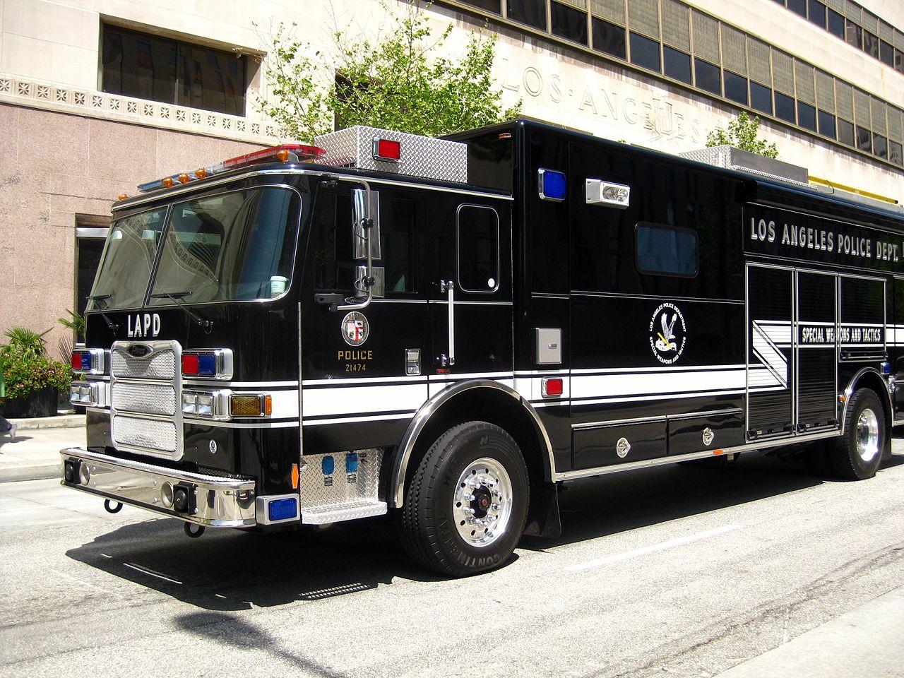 Truck Accessories Florida >> File:LAPD SWAT truck - 1.jpg - Wikipedia