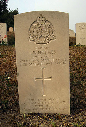 Ronald Holmes - The headstone of Captain L. B. Holmes.